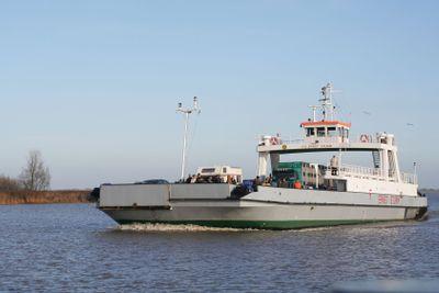 Car ferry on river Elbe - Autofähre Wischhafen Glückstadt