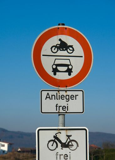 Traffic signs banning motor vehicles, free delivery, free...