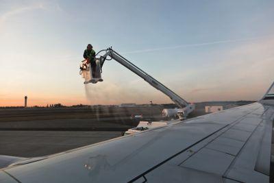 De-Icing an Airplane