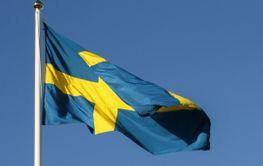 Sveriges flagg och EU-flaggan - Silvertid