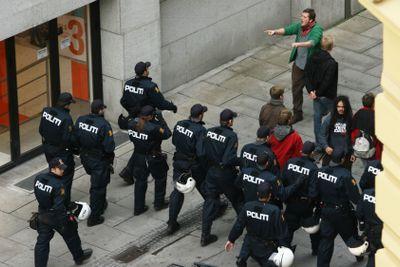 Police fighting demonstrants