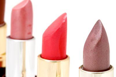 many coloured lipstick