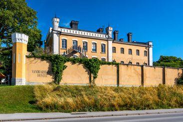 Fängelsebyggnad som vandrarhem visby Gotland.