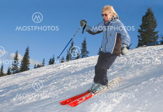 Dowhill skiing in Hassela, Sweden