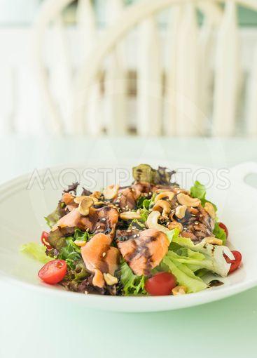 salad with smoke salmon