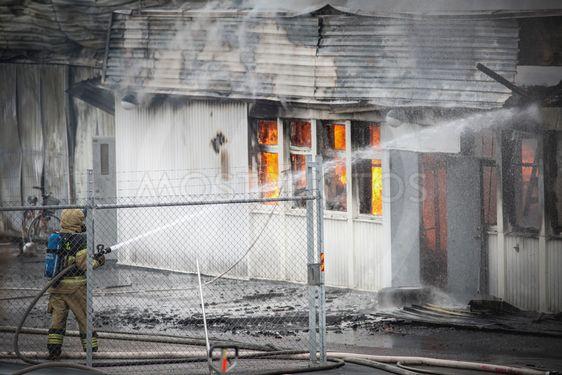 Räddningstjänsten under brandsläckning