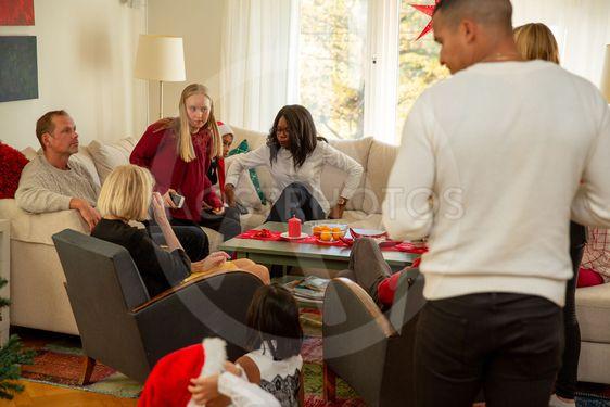 Familjen är samlad på julafton