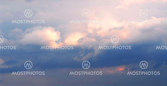 Luftrum med skyer