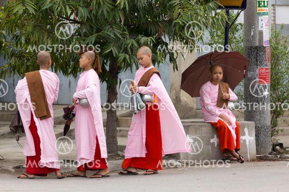 Burmese young nuns