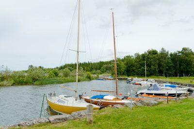 Småbåtshamnen i Råbäck vid Vänern
