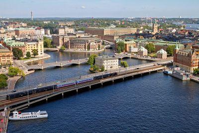 Stockholm tåg på centralbron
