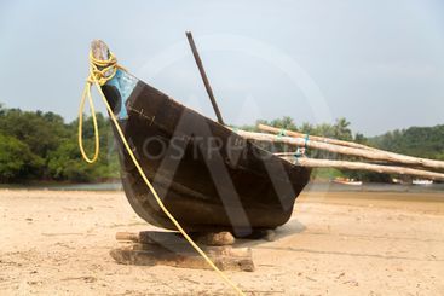 Old boat in Agonda, Goa, India