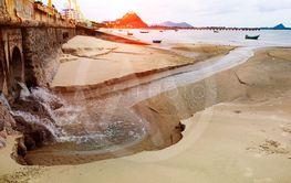 urban waster  drain to sea coast ,environment problem