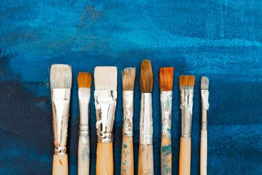 Tools and equipment for the artist. Palette and brushes...