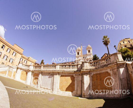 Piazza di Spagna ja Trinitan ' dei Monti Roomassa