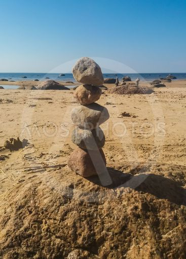 Figures made of stones on the beach
