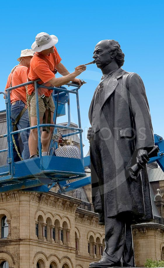 Laurier Statue Cleaning