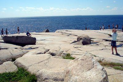 People on a granit bedrock