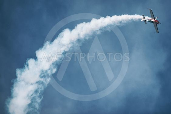 Aerobatic show with a Extra 300 in the airshow at Orebro...