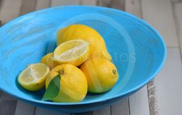 Fresh yellow lemons