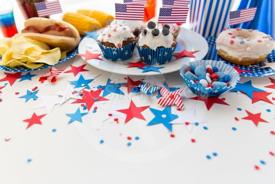 food and drinks on american independence day party