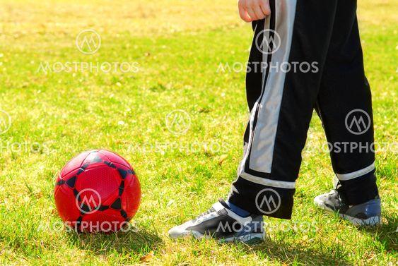Spiller fodbold