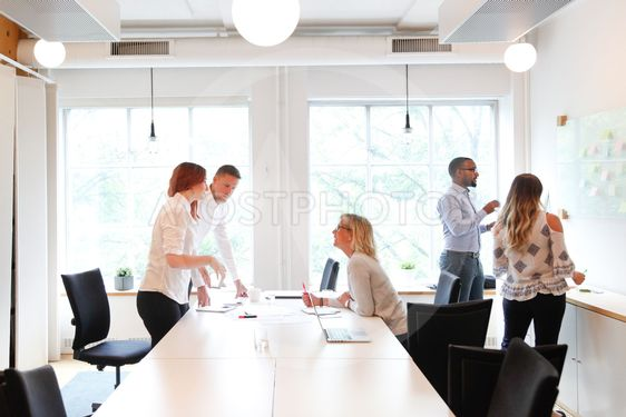 Gruppmöte, kontor