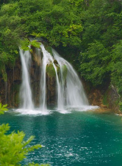 Dreamy waterfall.