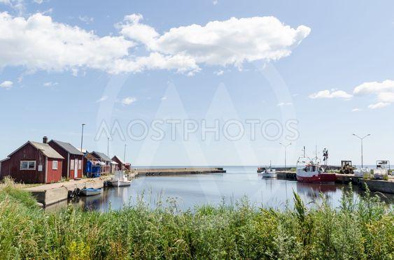 Sommar vid Gräsgårds hamn på Öland