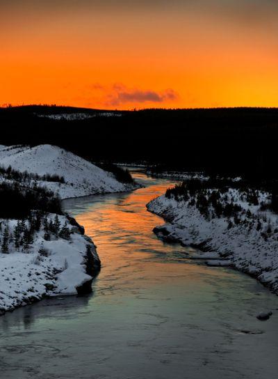 winter river scenery