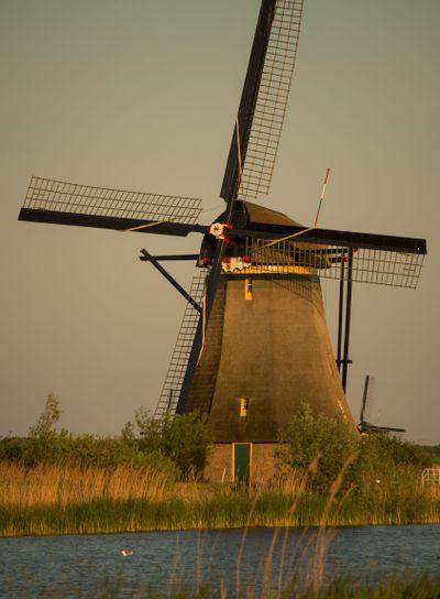 Dutch windmill (Kinderdijk)