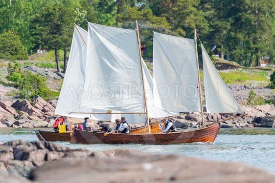 Classic postal rowing contest between Grisslehamn and...