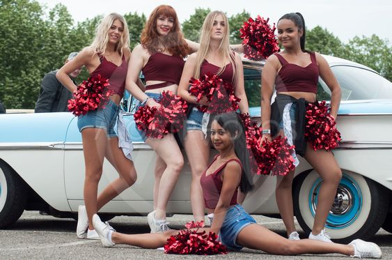 pompom girls dancing at Fun car show event