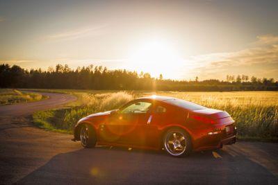 Nissan 350z i solnegång