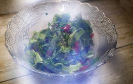 Glass salad bowl with unusual stray light effects