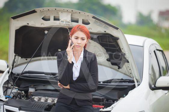 Car Broke Down >> Woman With Car Broke Down By Witthaya Phonsawat Mostphotos