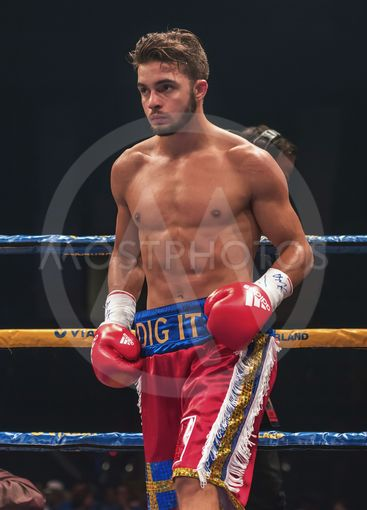 Match between Anthony Yigit (SWE) vs Armando Robles (MEX)...