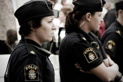 Kvinnliga poliser