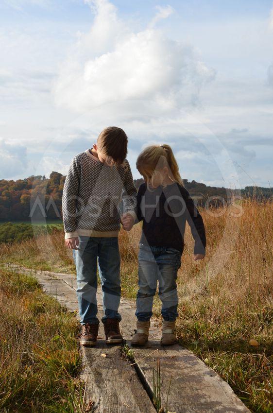 syskon på stig