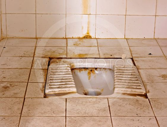 Beskidte stå type toilet