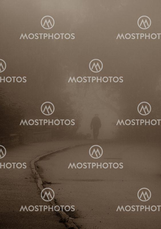 I dimman