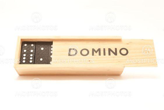 Domino box peli
