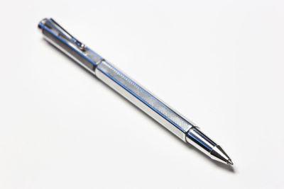 Elegant pen