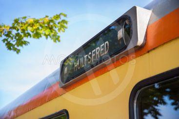"""Destinationsskylt """"Hultsfred"""" på ett tåg"""