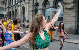 Dans på Pride 8