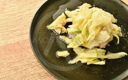 stir fried slice cabbage and pork with fish sauce on plate