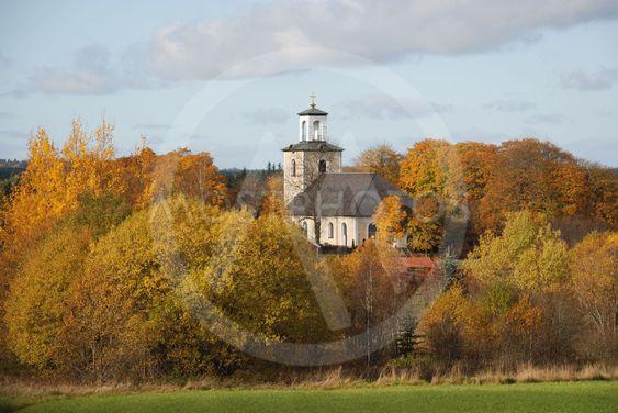 Nässjö Gamla Kyrka i höstmiljö  (Sweden)