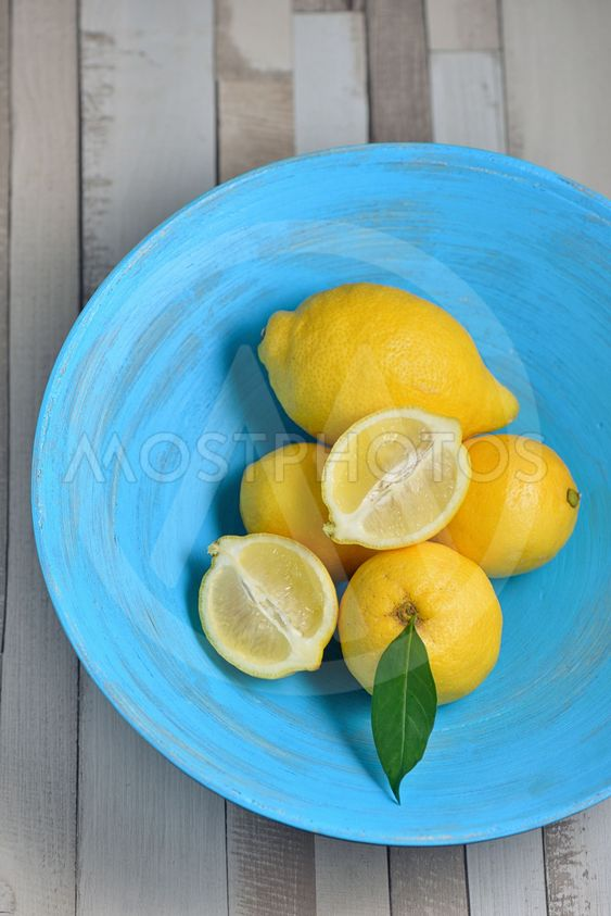 Fresh yellow lemons
