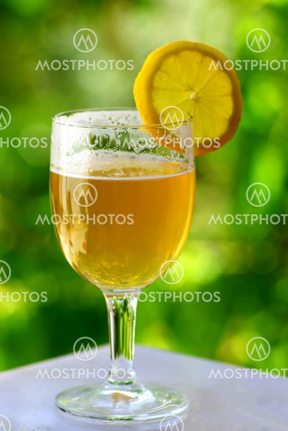 Beer with lemon