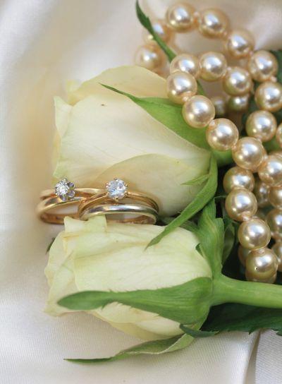 Double bridal set on white roses